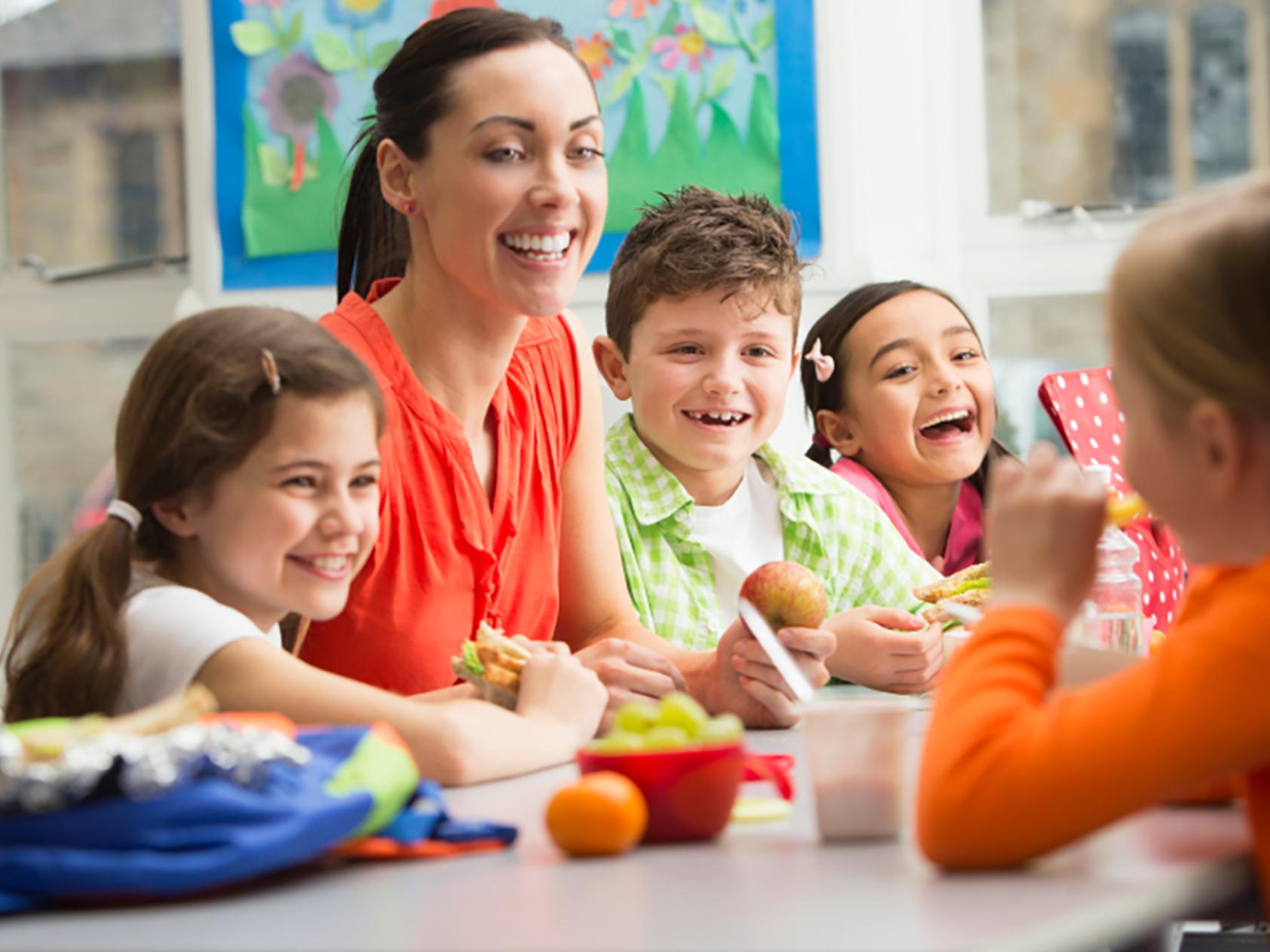 Experto en monitor de comedor escolar y tiempo libre a for Monitor comedor escolar